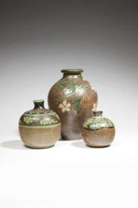 Vase balustre à décor de floraison, grès, 1900-1930 | Louis Lourioux
