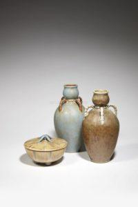Vases hauts et boite côtelée, grès, 1900-1930 | Louis Lourioux