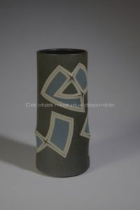 Cylindrical Vase, grey and blue hue, sandstone, 2010 | Gustavo Perez