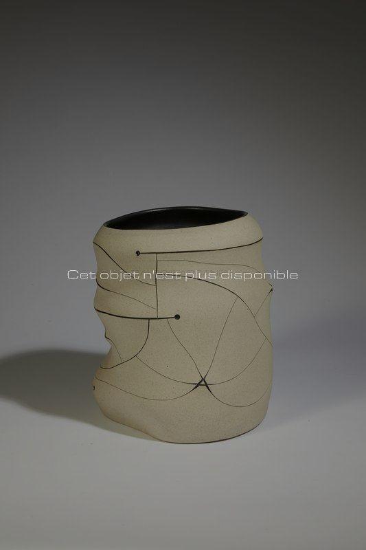 Non disponibles - Gustavo Perez - Vase incisé blanc_ Galerie Arcanes l Arts Décoratifs XXe - Art Contemporain Paris