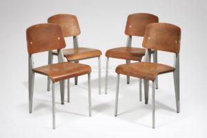 Quatre chaises standard, métal et chêne, circa 1944 | Jean Prouvé