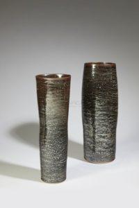 Deux hauts vases irisés, porcelaine, 2018 | Valérie Hermans