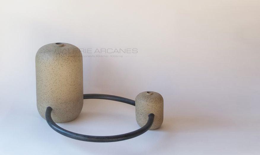 Bonnefoy Mercuriali Jeanne - Jeux d'anses_Grès patine noire manganèse1 _ Galerie Arcanes l Arts Décoratifs XXe - Art Contemporain Paris
