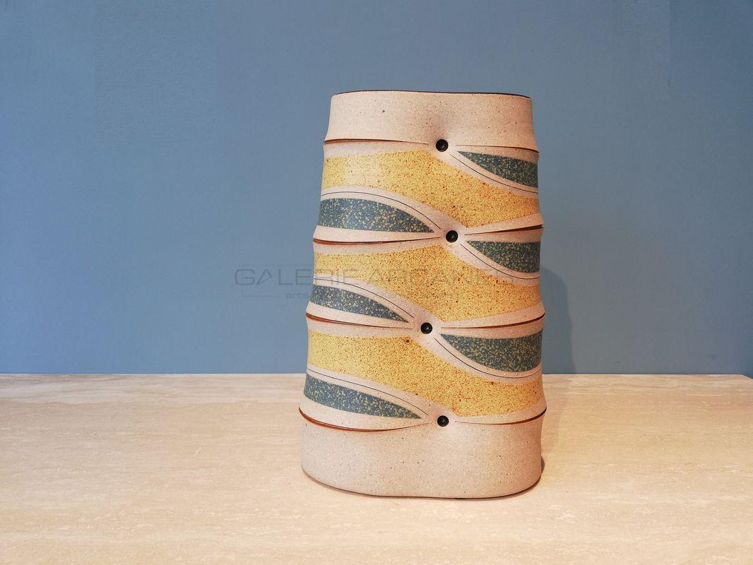 Gustavo-Perez-Haut-vase-méplat-à-décor-géométrique-_-Galerie-Arcanes-l-Arts-Décoratifs-XXe-Art-Contemporain-Paris.