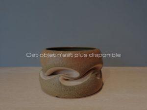 Coupe plissée vert mousse, grès, 2005 | Gustavo Perez