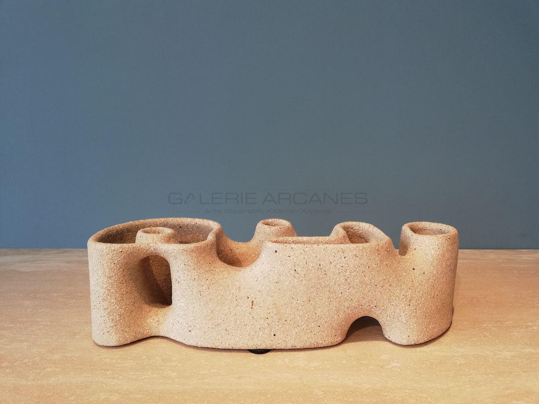 Gustavo-Perez-Sculpture-en-grès-chamotté_-Galerie-Arcanes-l-Arts-Décoratifs-XXe-Art-Contemporain-Paris