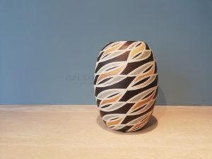 Vase ovoïde à décor géométrique, grès, 2010 | Gustavo Perez
