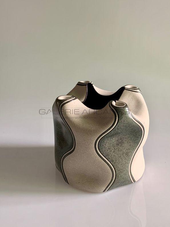 Gustavo Perez - Vase polymorphe à col pincé quadrilobé_ Galerie Arcanes l Arts Décoratifs XXe - Art Contemporain Paris
