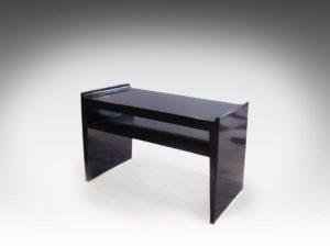 Petite table d'appoint, bois laqué noir, circa 1930 | Dominique