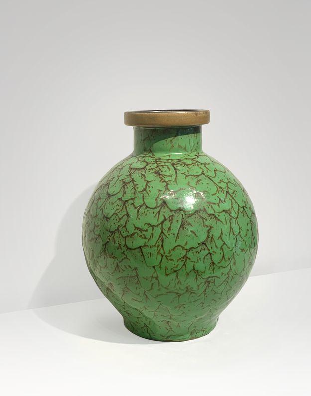 Lourioux Louis - Vase boule émaillé vert2_ Galerie Arcanes l Arts Décoratifs XXe - Art Contemporain Paris