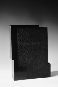 Contenir le vent «la 12-X», céramique à couverte noire | Brigitte Marionneau
