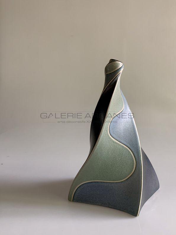 Gustavo Perez - Vase soliflore torsadé_ Galerie Arcanes l Arts Décoratifs XXe - Art Contemporain Paris